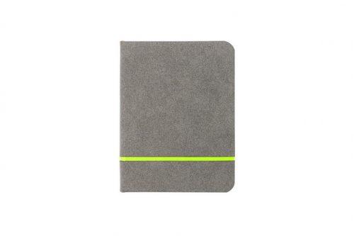 Szary zamszowy notes z jasnozielonym paskiem