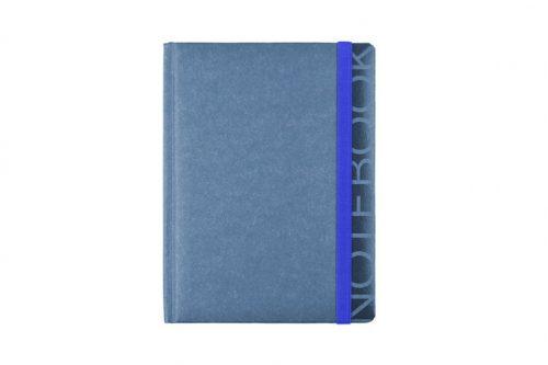 Niebieski notes w kratkę z gumką