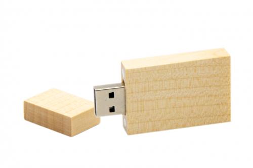 drewniany-ekopendrive-pn-d-40-jasny-brąz