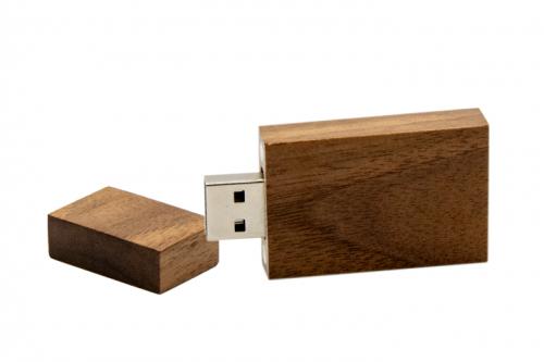 drewniany-ekopendrive-pn-d-40-ciemny-brąz